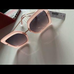 NEW Light pink sunglasses